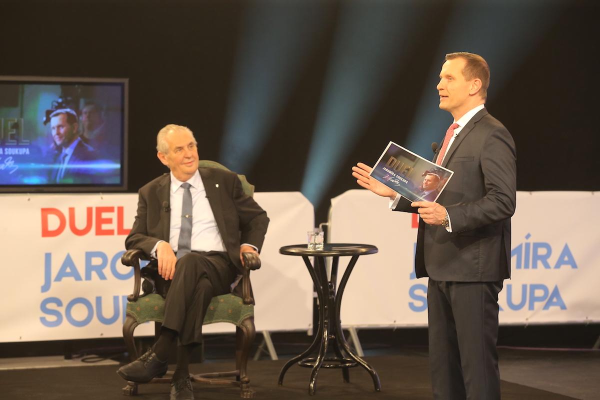 Duel Jaromíra Soukupa v kulisách Arény Jaromíra Soukupa. Foto: TV Barrandov