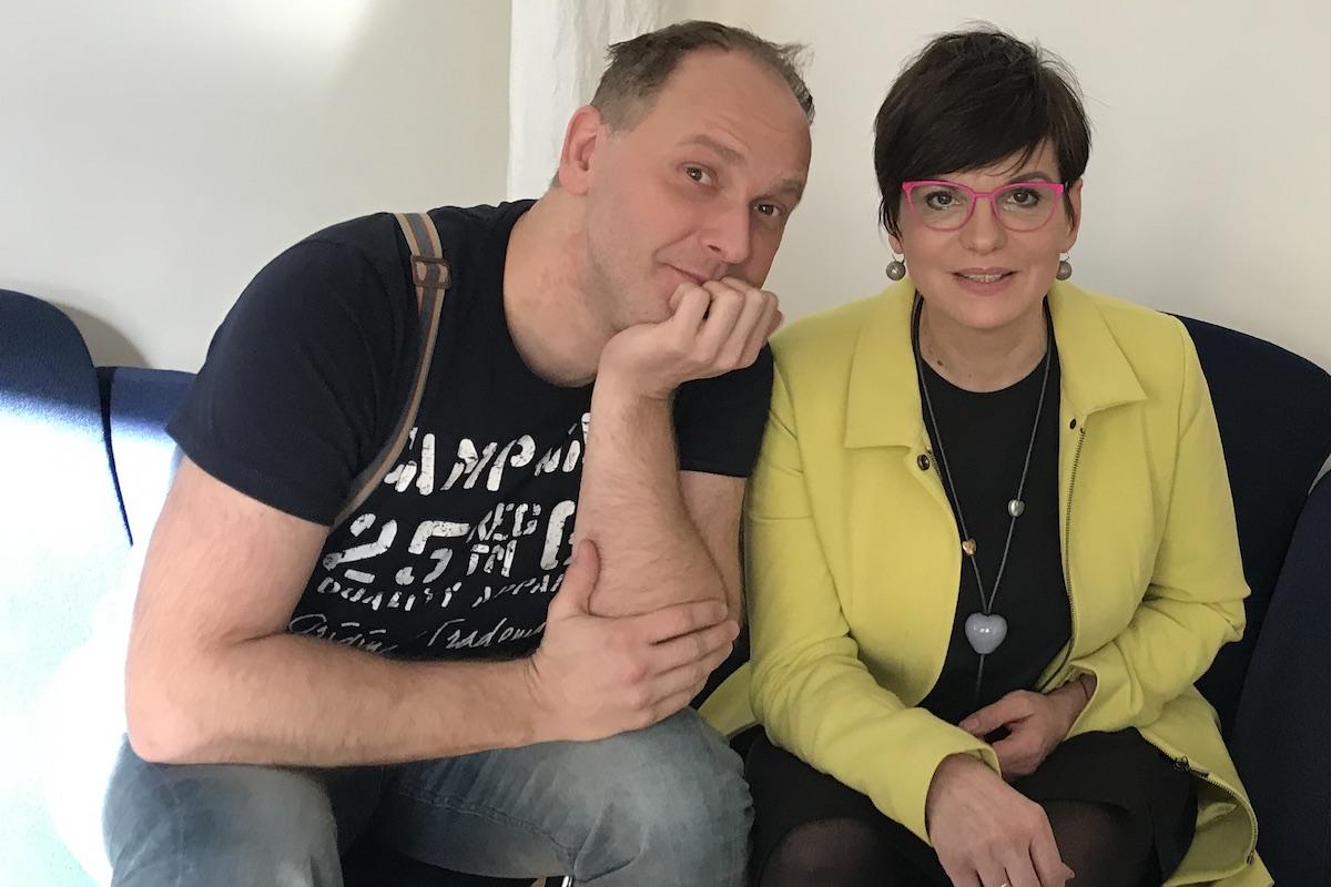 Ředitel agentury Leemon Concept s ředitelkou organizace Celé Česko čte dětem Evou Katrušákovou