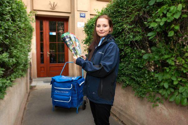 S roznáškou novin pomáhá i Česká distribuční