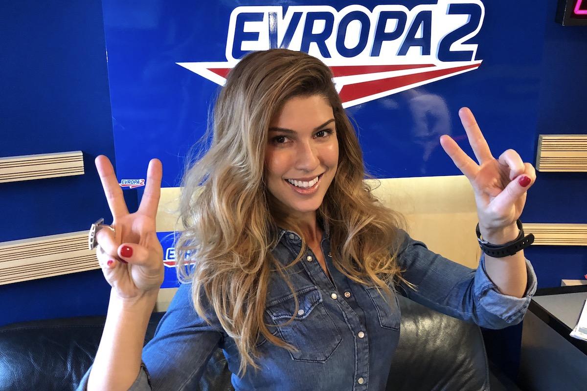 Zpěvačka Victoria Velvet ve studiu Evropy 2