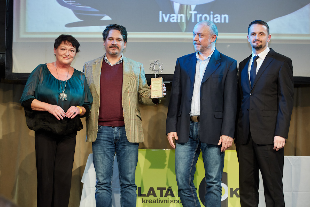 Zleva Valérie Zawadská, Ondřej Hübl (Saatchi & Saatchi), Jan Tuček, Tomáš Hynčica (Nielsen Admosphere)