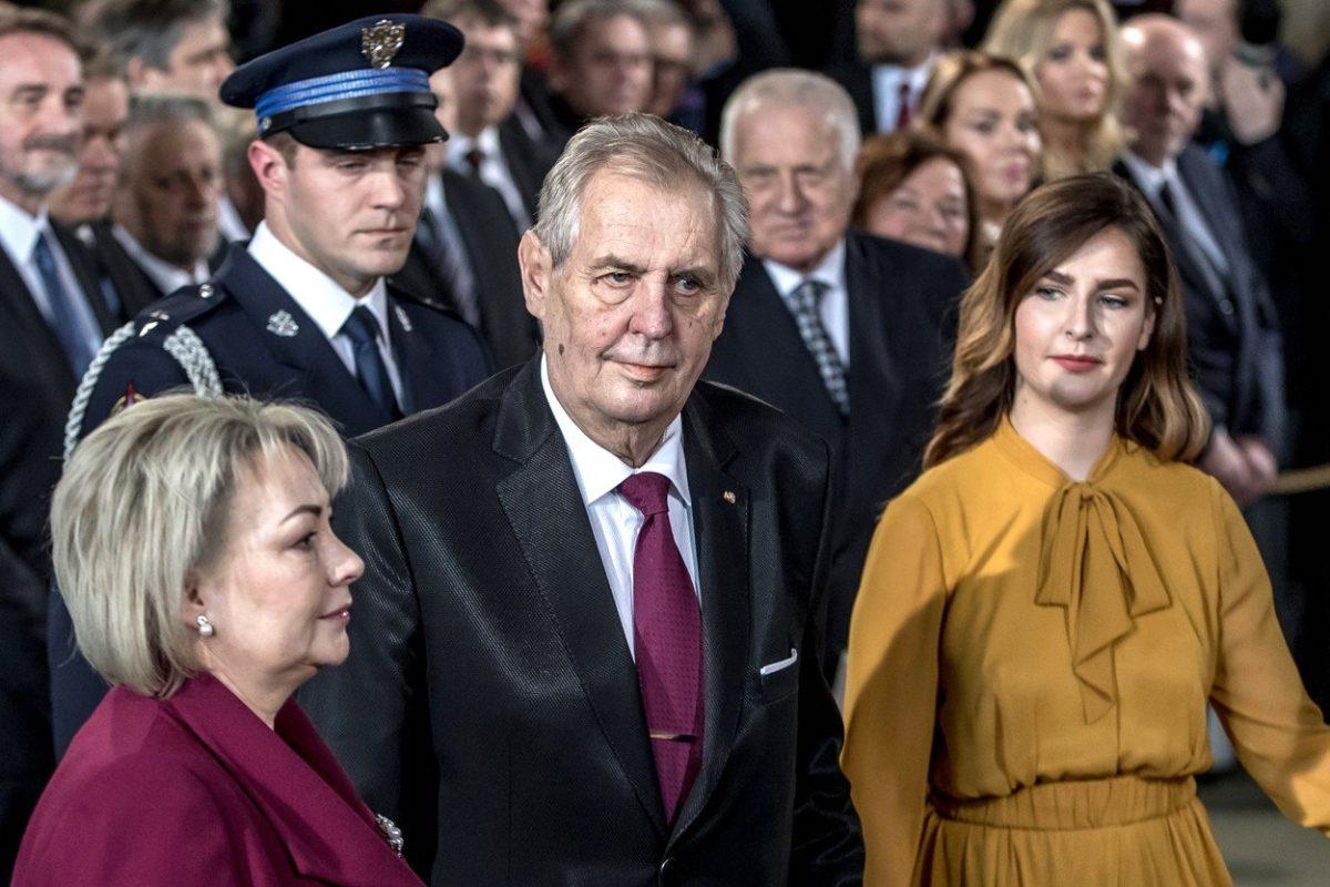 Miloš Zeman, jeho žena Ivana a dcera Kateřina při dnešní inauguraci. Foto: Profimedia.cz