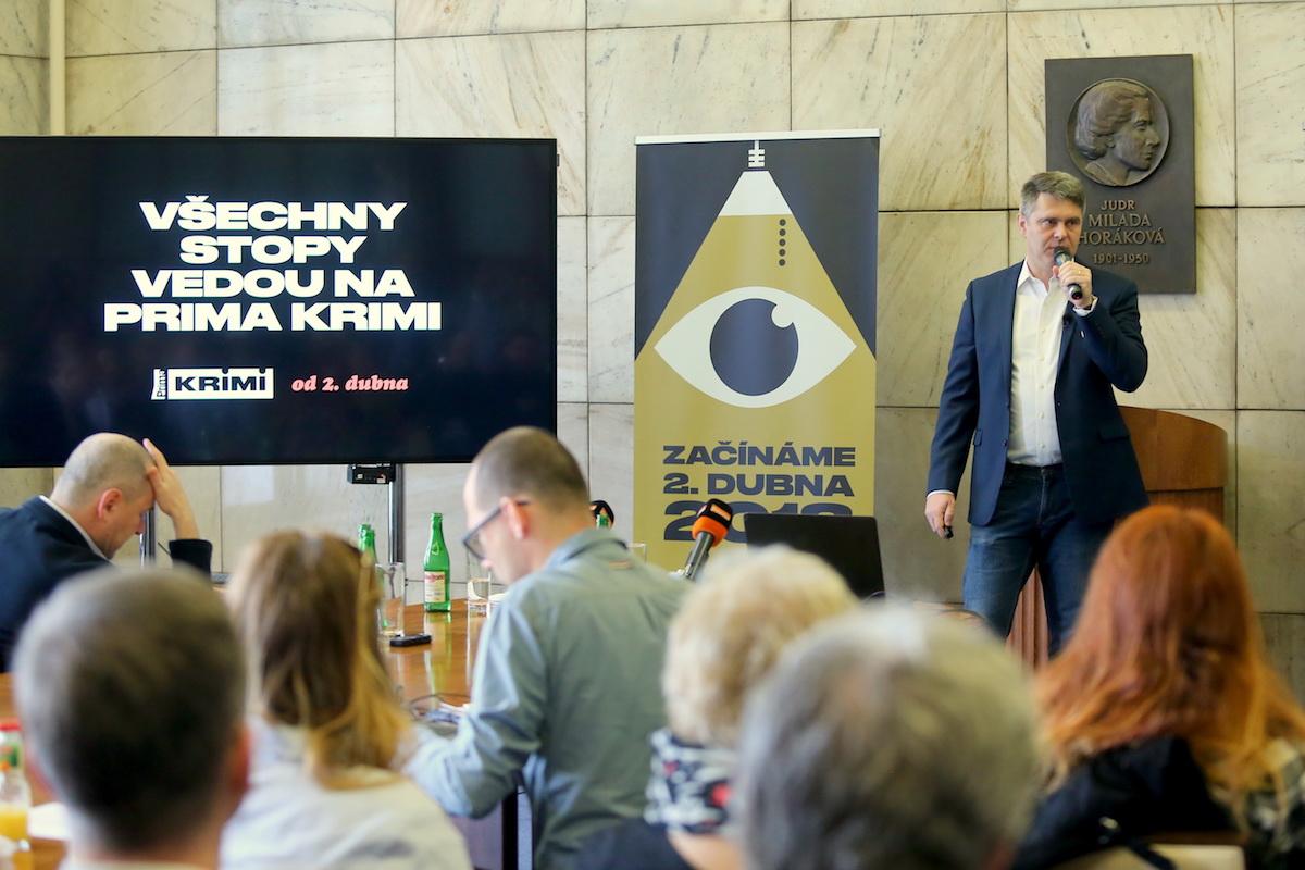 Marek Singer na dnešní tiskové konferenci na půdě pražské Právnické fakulty UK