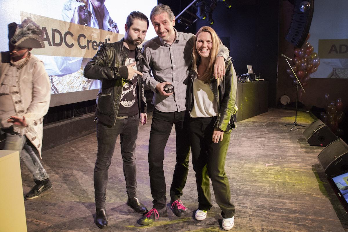 Klientem roku byl vyhlášen T-Mobile, uprostřed Jan Stanko. Foto: Zuzana Bonisch