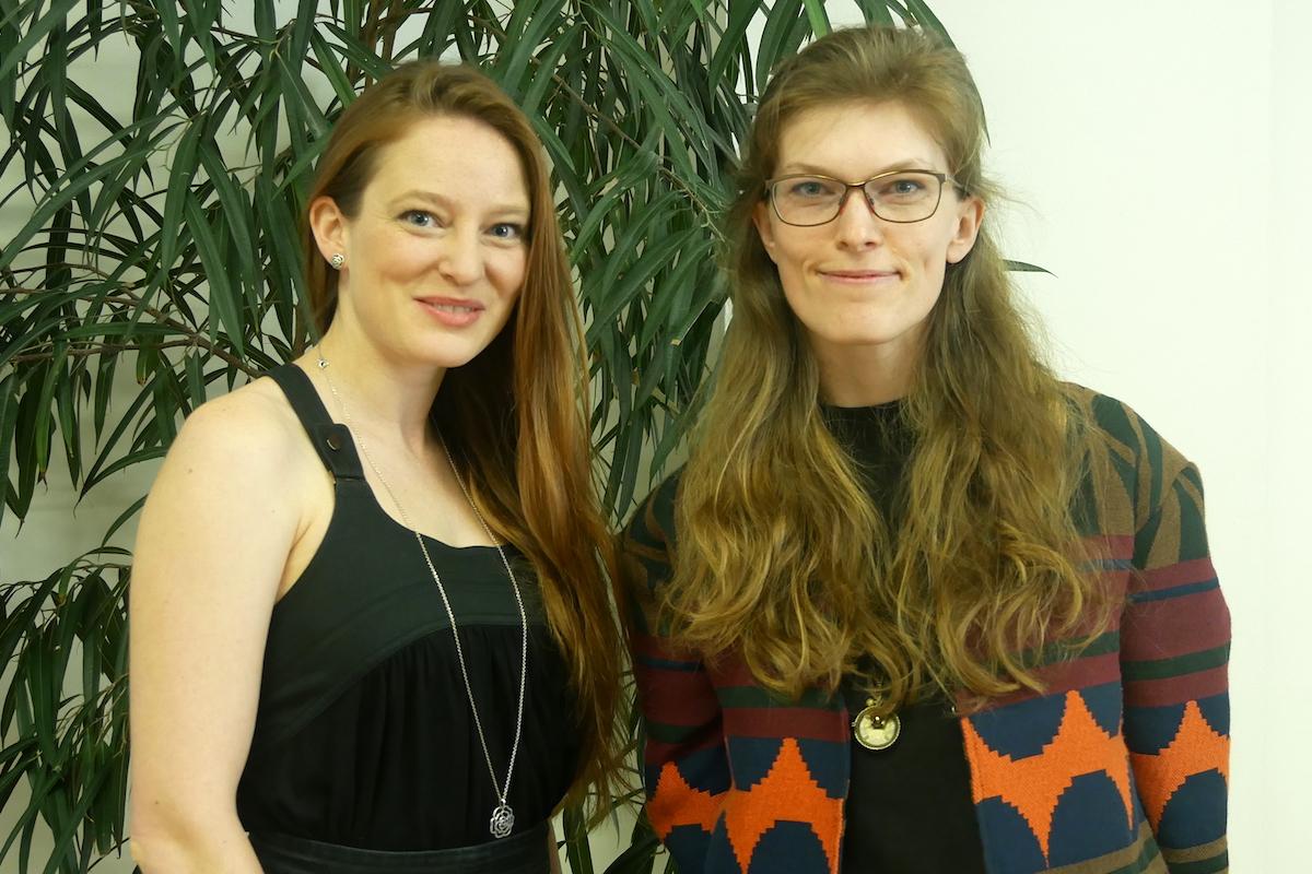 Zleva Kristýna Čejdová (ČSOB Penzijní společnost) a Eva Raimanová (VS Hosting), vítězky kategorie Media českého kola Young Lions 2018