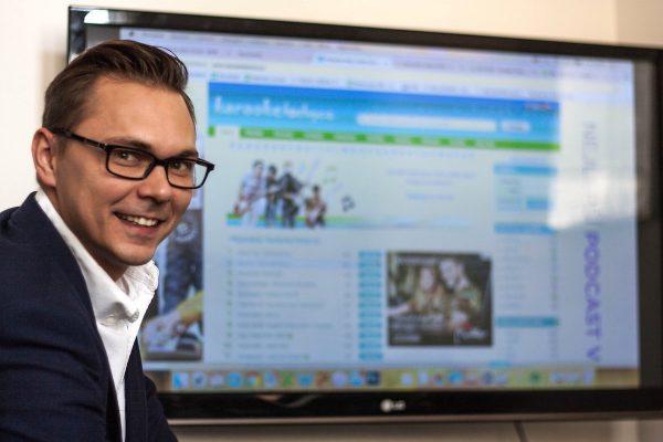 Tiscali kupuje od Knowlimits web Karaoketexty.cz