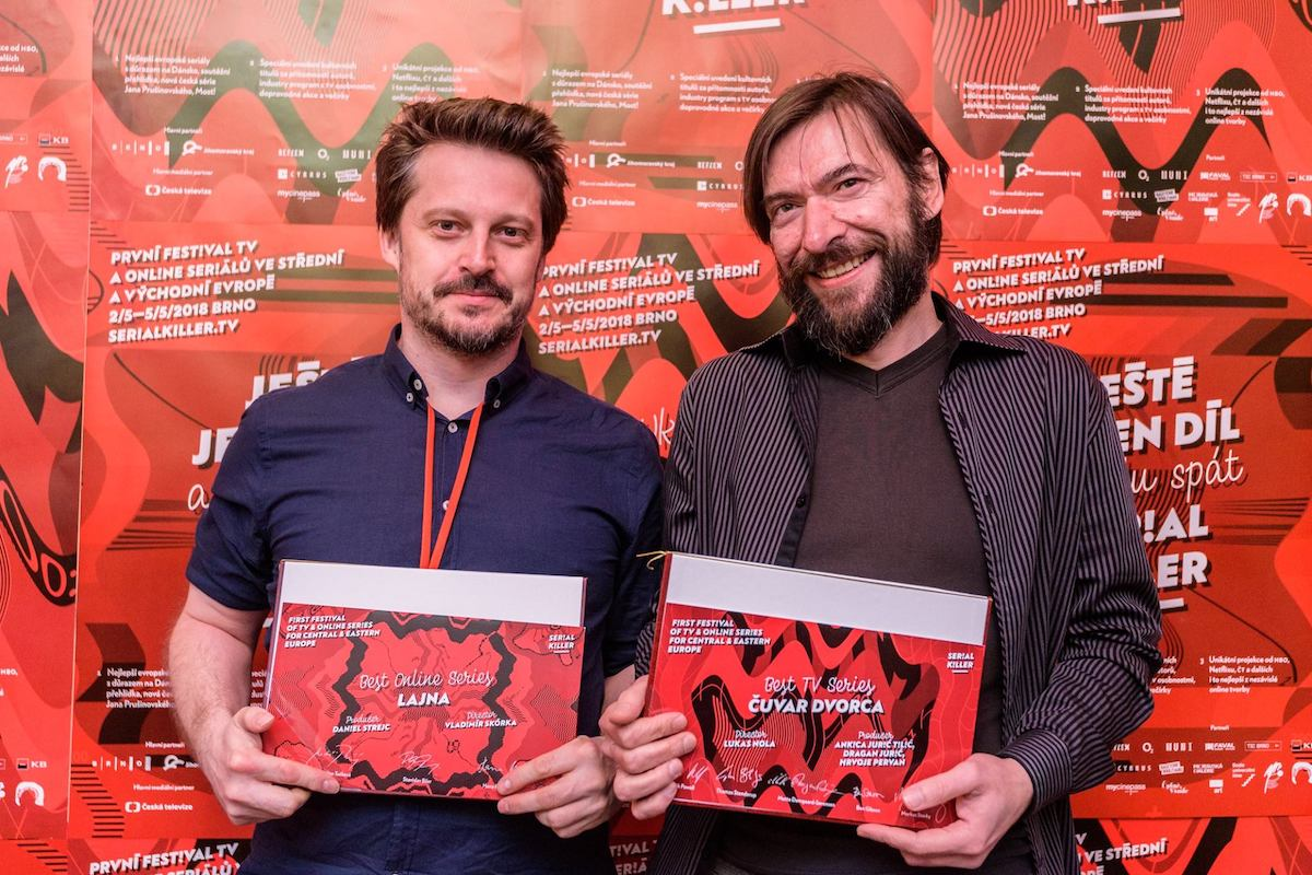 Vítězové festivalu Serial Killer 2018: vlevo Vladimír Skórka (producent seriálu Lajna), vpravo Mislav Brumec (producent seriálu Strážce hradu). Foto: Serial Killer
