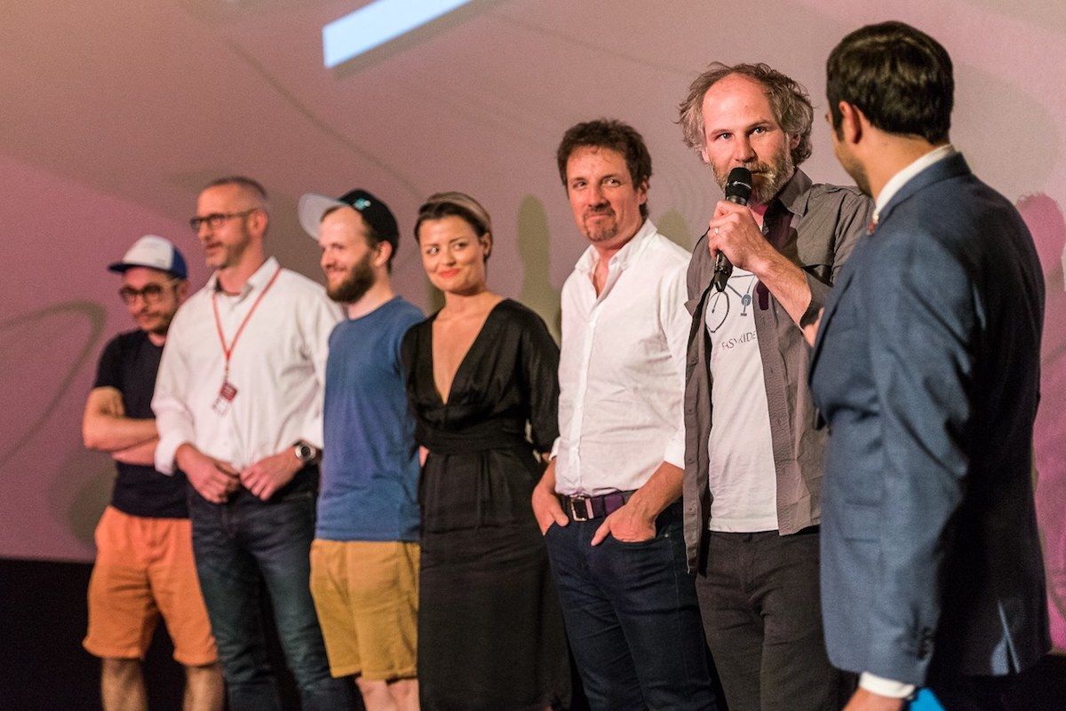 Jan Prušinovský vedl delegaci seriálu Most! na zahájení festivalu. Foto: Serial Killer