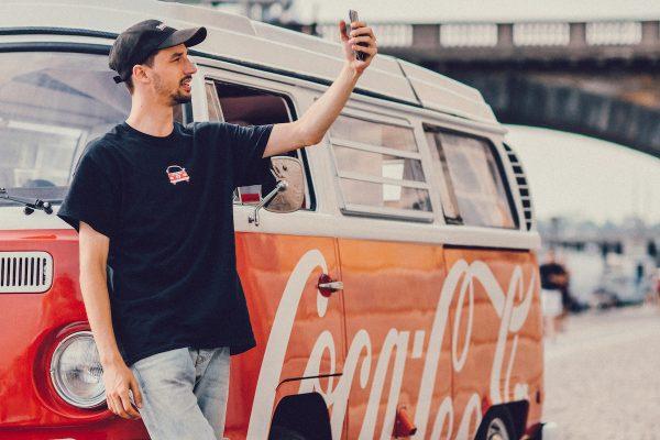 Coca-Cola a Johny Machette vyzkoušeli IGTV