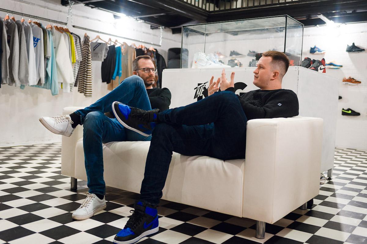 Matěj Kretík v rozhovoru s Ondřejem Austem. Foto: Jakub Hrab