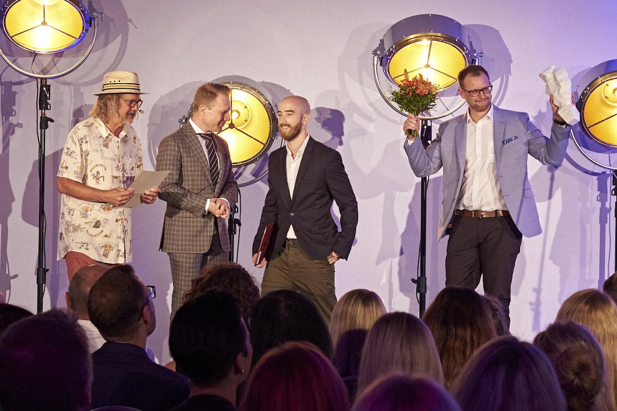 Zleva moderátor Ondřej Hejma, předávající Patrik Schober, Miroslav Popel, Lluís Rotger. Foto: APRA