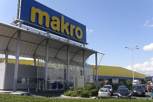 Křetínský a Tkáč vstupují do velkoobchodů Makro a Metro