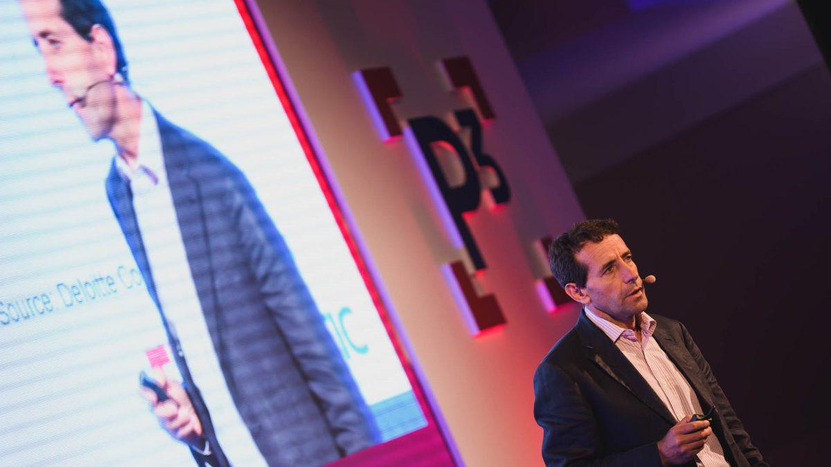 Pablo Gomez vidí budoucnost v tom, že si stanoví jasná pravidla spolupráce robotů a lidí. Foto: P3 konference
