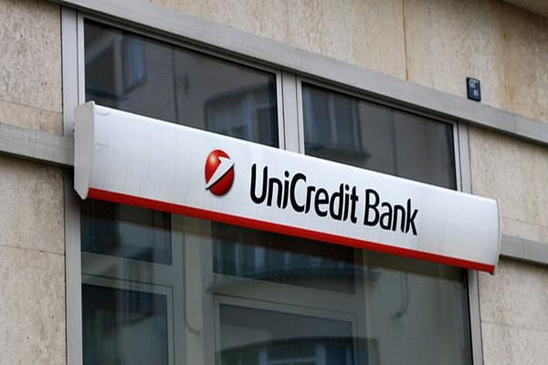 Velké banky si meziročně pohoršily