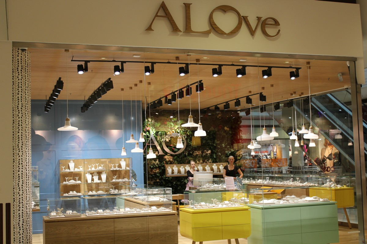 Alo Diamonds má i síť levnějších šperků, první butik otevřel letos v Obchodním centru Nový Smíchov