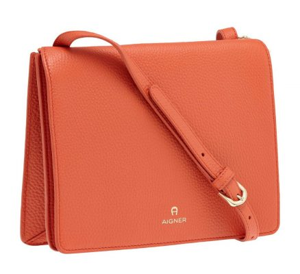 Aigner_VAN_GRAAF_Bag_Red_7699CZK_2-e1479256747192