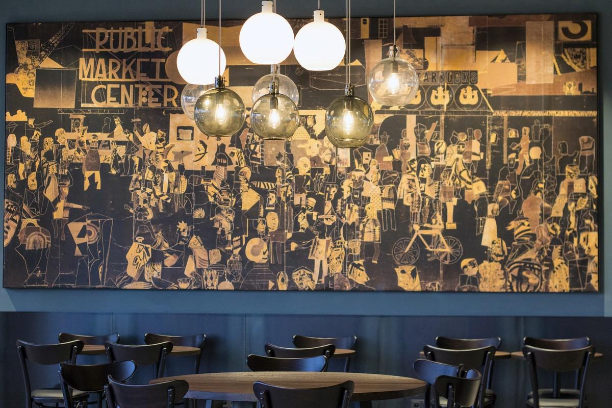 Interiér pobočky Starbucks v Centru Chodov