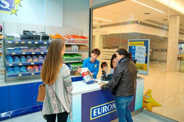 Euronics přidal v srpnu prodavačům o 11 %, průměrně si přilepší o 2.000 Kč