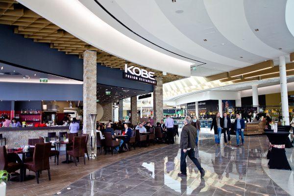 Food courty jsou rozmanitější, v obchodních centrech se rozpínají