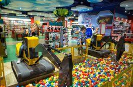 Češi a hračkářství: nabídkou nejvíc vyhovuje Hamleys, cenami Dráčik