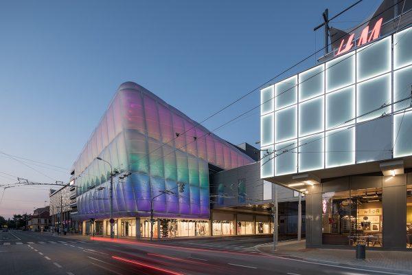 Výstavba nových obchodních center v Česku stagnuje, na desítku čeká revitalizace