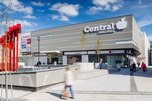 Gastronomie táhne obraty obchodních center. Návštěvnost loni rostla o 3 %