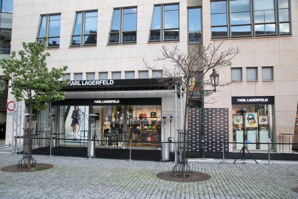 Značka Karl Lagerfeld otevřela svůj druhý pražský butik, v galerii Myslbek