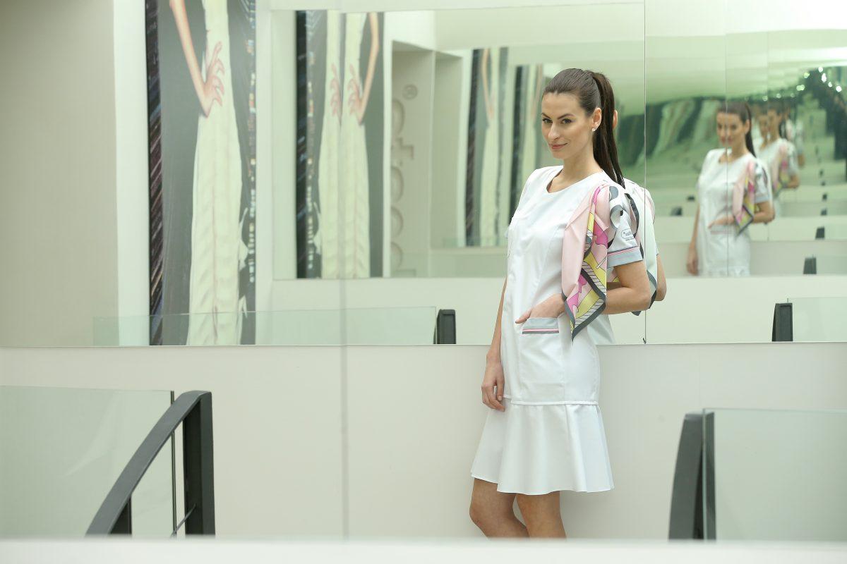 Oděvy pro personál v novém prodejním formátu navrhla Beáta Rajská