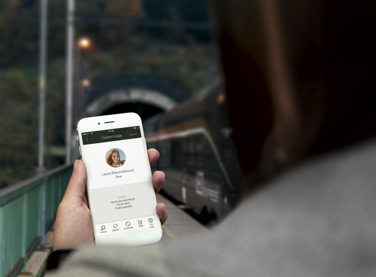 Aplikace Leo Express obsahuje i kartu s osobními údaji k usnadnění používání