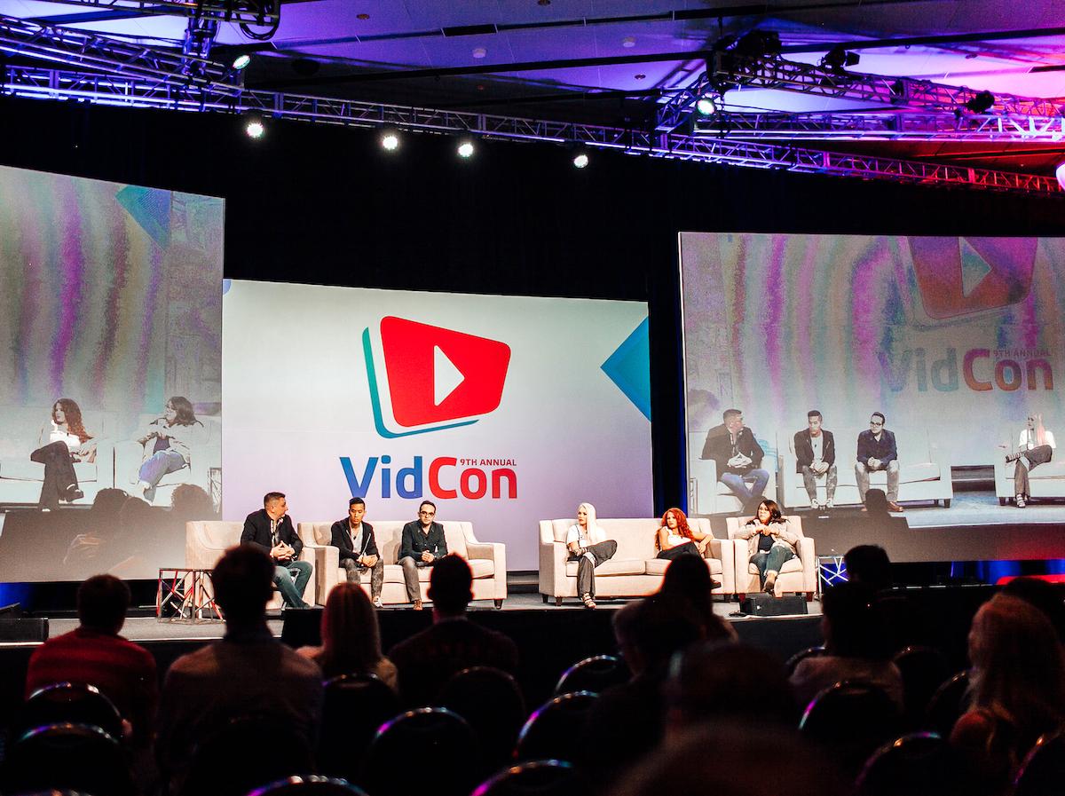 Zahajovací Super Session se špičkami americké influencer scény, nechyběly Andrea z Andrea's Choice či slavná Minecraft hráčka z kanálu StacyPlays. Foto: Martina Votrubová