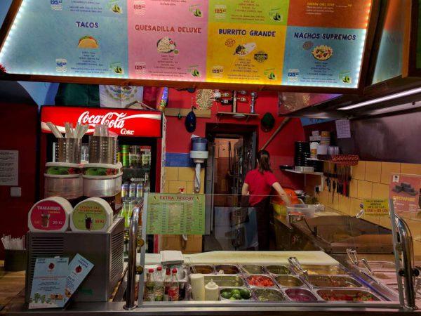 První a nejmenší pobočka sítě Burrito Loco v ulici Masná