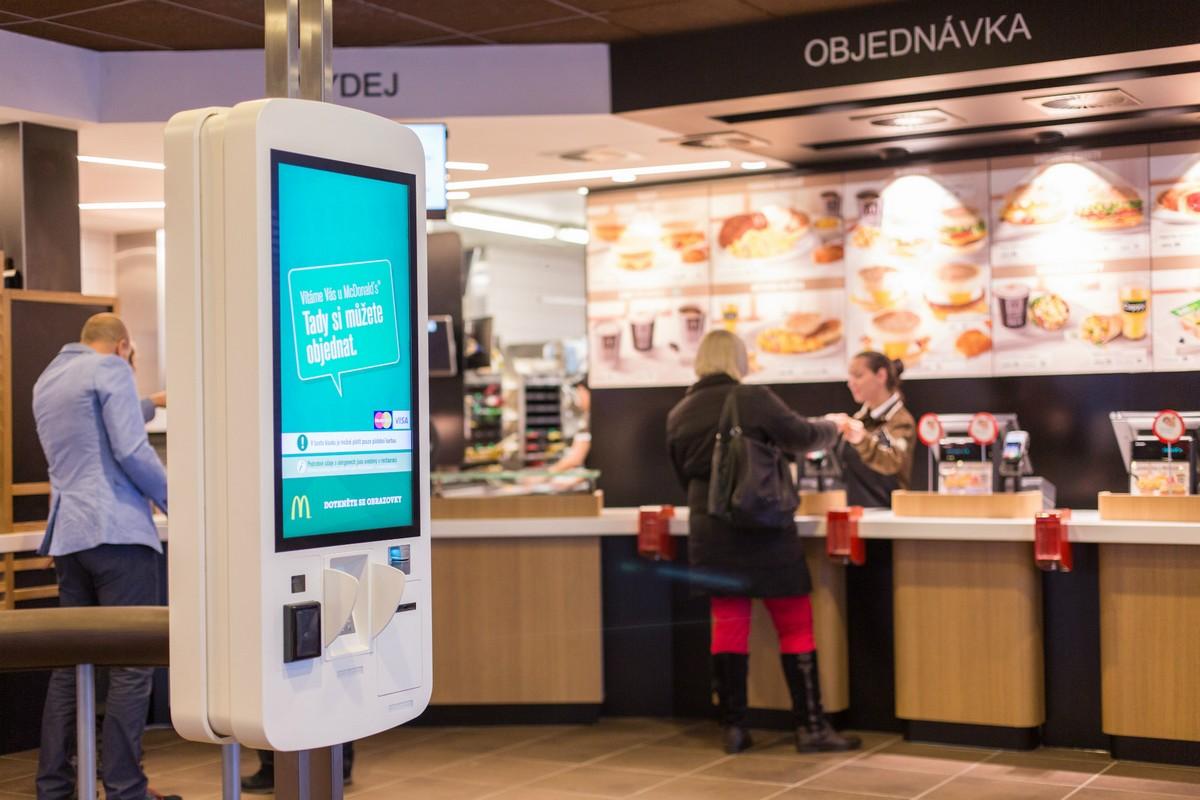 Samoobslužné kiosky na pobočkách McDonald's