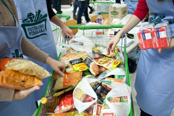 Národní potravinová sbírka popáté, zapojí se více lidí i prodejen