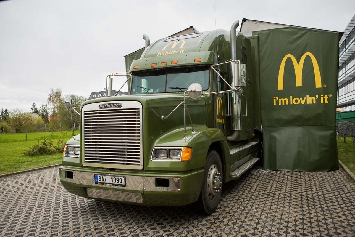 Truck, kterým McDonald's tour Na rovinu objede