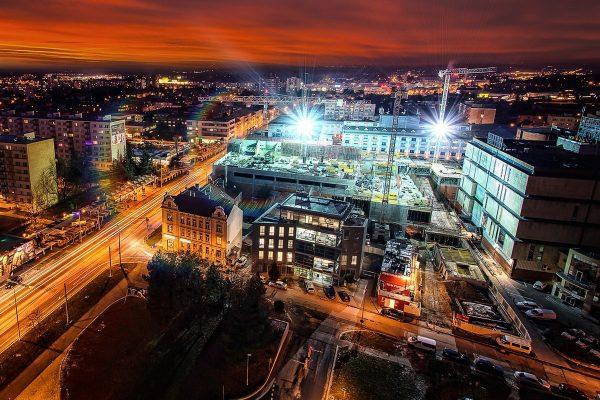 Do retailových nemovitostí šlo loni v Česku přes 15 miliard Kč