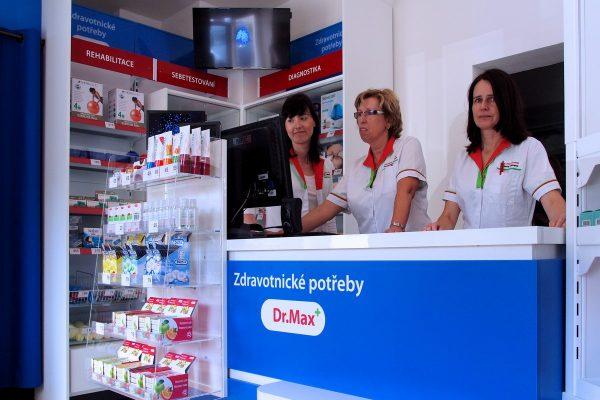 Dr. Max otevřel v Chebu svou první prodejnu zdravotnických potřeb