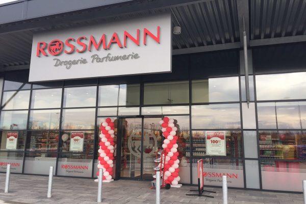 Rossmann otevírá čtvrtou prodejnu v Plzni, letos jich v Česku přidá devět