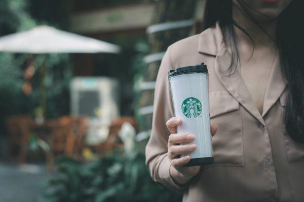 """""""Nestlé tahá za kratší konec, spojení je opticky výhodnější pro Starbucks"""""""