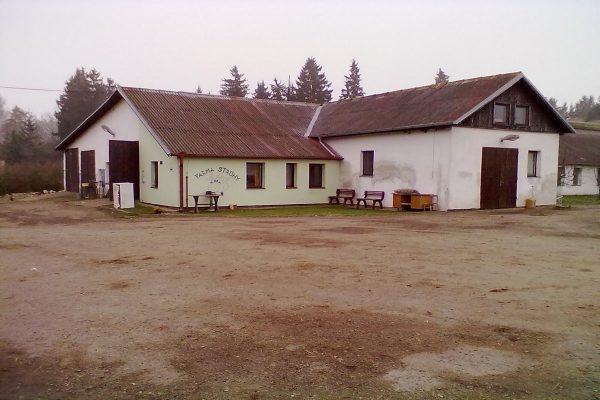 Investiční centrum Sklizena získalo 50% podíl v mléčné farmě Struhy