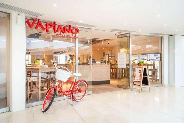 Síť italských restaurací Vapiano v Praze expanduje, otvírá v Galerii Myslbek