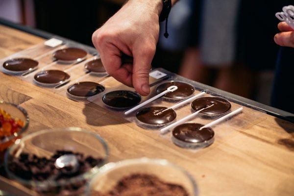 Orion dočasně otevře dvě čokoládová studia v Praze a v Olomouci