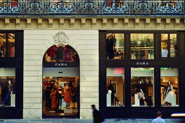 Zara plánuje celosvětově omezit počty svých prodejen