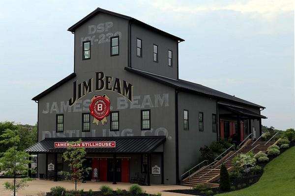 Jim Beam do Čech přinesl novou whiskey