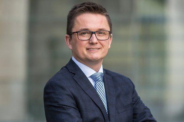 Dušan Drábek řídí v BNP Paribas průmyslové a logistické nemovitosti
