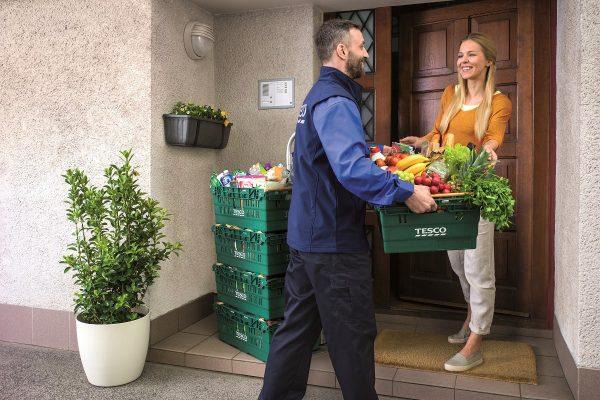 Tesco spustilo rozvoz online nákupů v Ostravě, doručuje nazítří