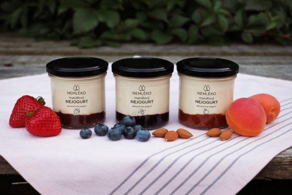 Nemléko uvádí na trh mandlový bezlaktózový Nejogurt