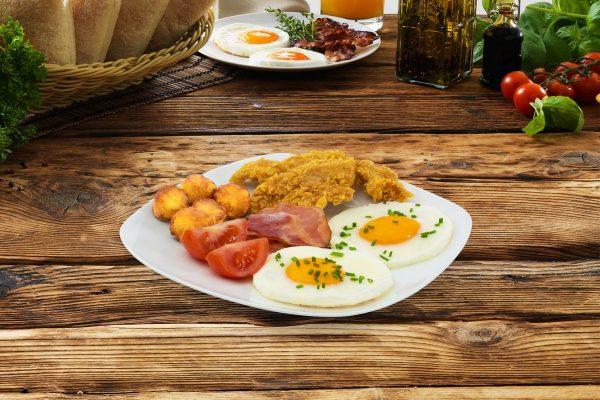KFC zavádí snídaně, plošně po celém Česku