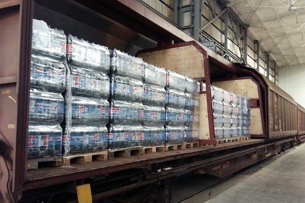 PepsiCo zavádí pravidelnou linku vlaku zPrahy do Maďarska, pro přepravu limonád