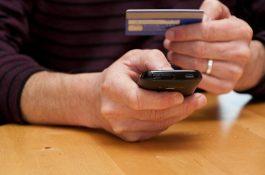 Tržby e-shopů loni stouply o 17 % na 135 miliard Kč