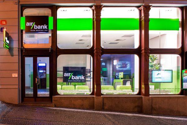 KPMG: nejlepší zkušenosti mají zákazníci s Air Bank, sektorově s gastronomií